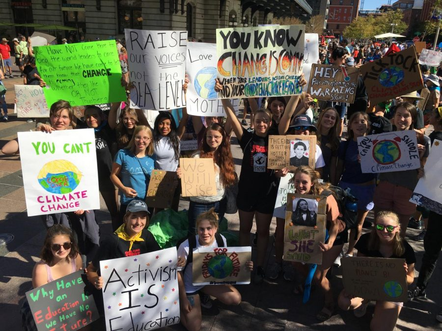 Boulder+High+members+of+the+Sunrise+Movement+were+some+of+the+first+to+arrive+to+the+protest%2C+getting+there+nearly+an+hour+before+it+officially+began.+