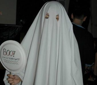 The ever-popular and iconic Halloween costume, a ghost. Via flickr